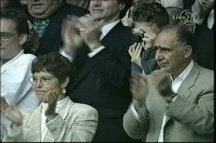 Sampras' parents Georgia and Sammy applaud as Pistol Pete beats Pat Rafter in the 2000 Wimbedon final