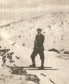 The journalist Arthur Spender takes to his skis in Norway circa 1900